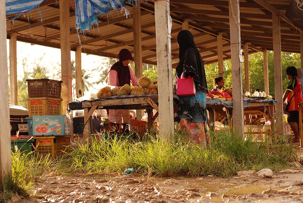 koh lanta - muddy market in sunshine