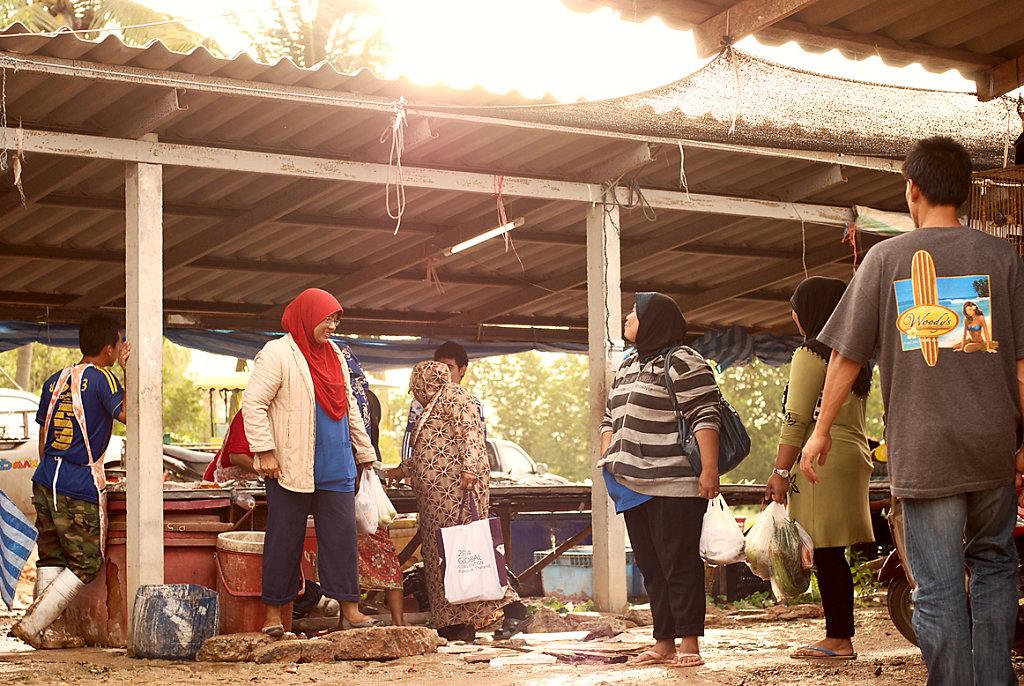 muddy market in sunshine